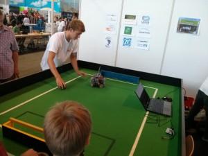 FR_Robot_Football1